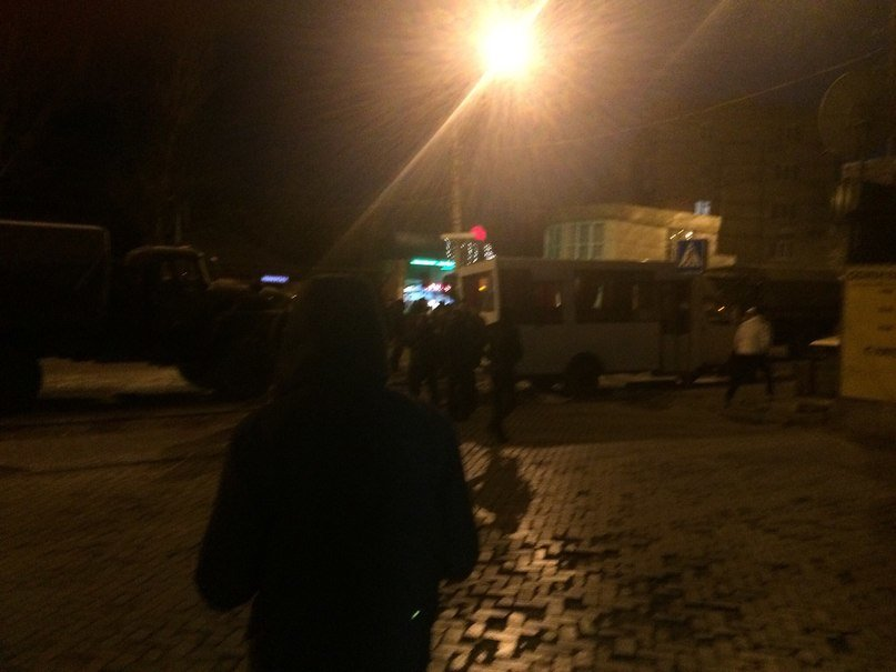 В Донецке военная машина «ДНР» влетела в марштрутку (ФОТО) (фото) - фото 2