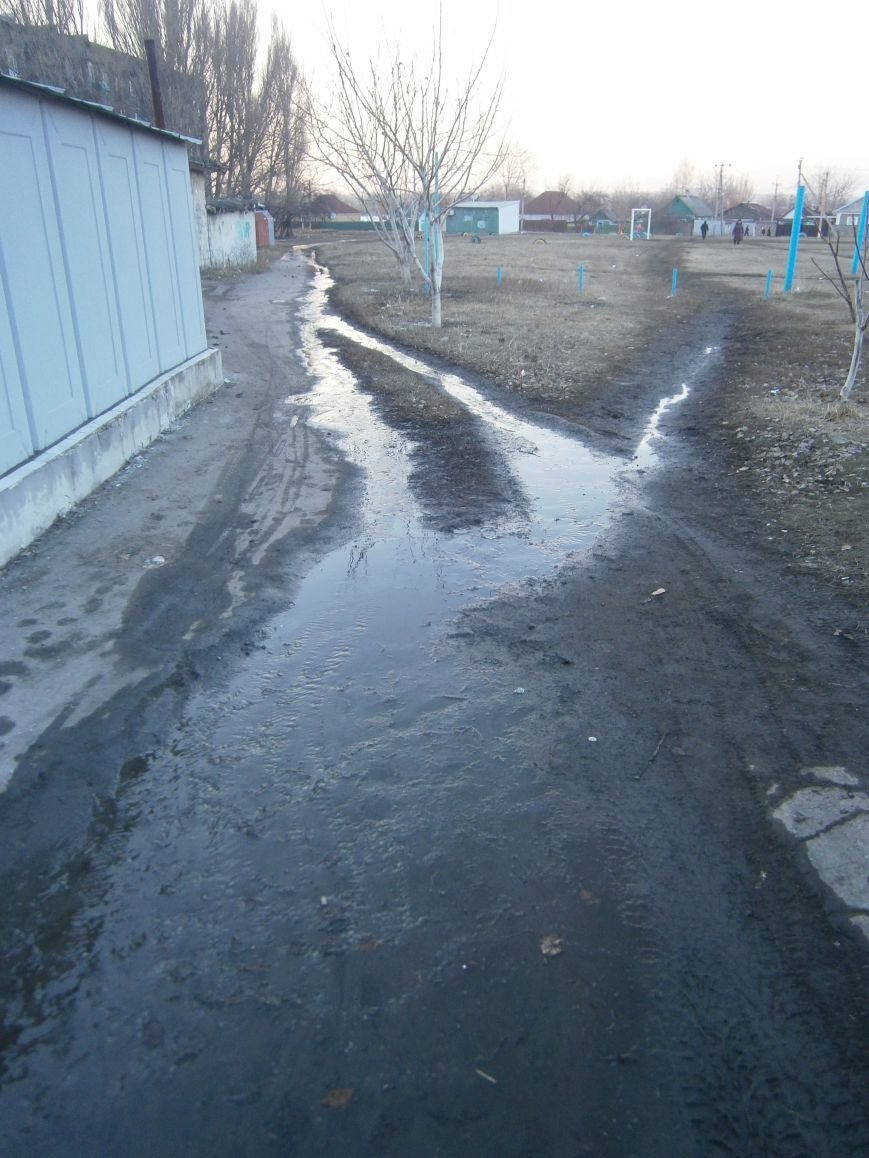 В Димитрове на 5-ый день ликвидирована течь канализации (Фото) (фото) - фото 4