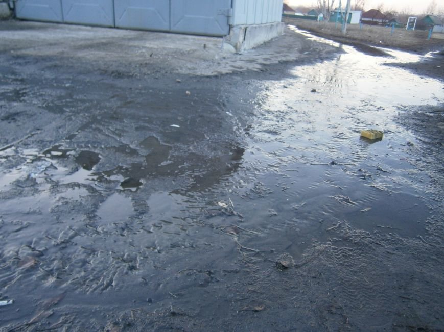 В Димитрове на 5-ый день ликвидирована течь канализации (Фото) (фото) - фото 6