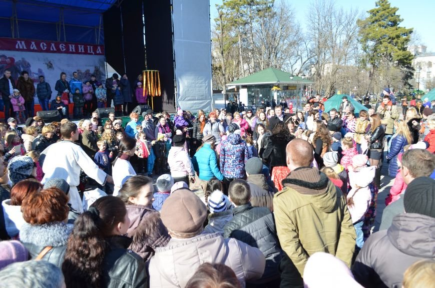 В Симферополе с размахом проводили Зиму на праздновании Масленицы (ФОТО), фото-1