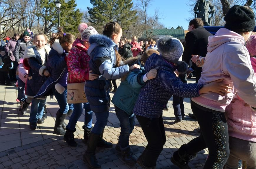 В Симферополе с размахом проводили Зиму на праздновании Масленицы (ФОТО), фото-8
