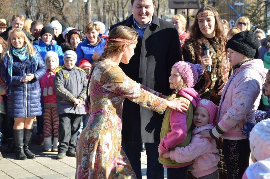 В Симферополе с размахом проводили Зиму на праздновании Масленицы (ФОТО), фото-7