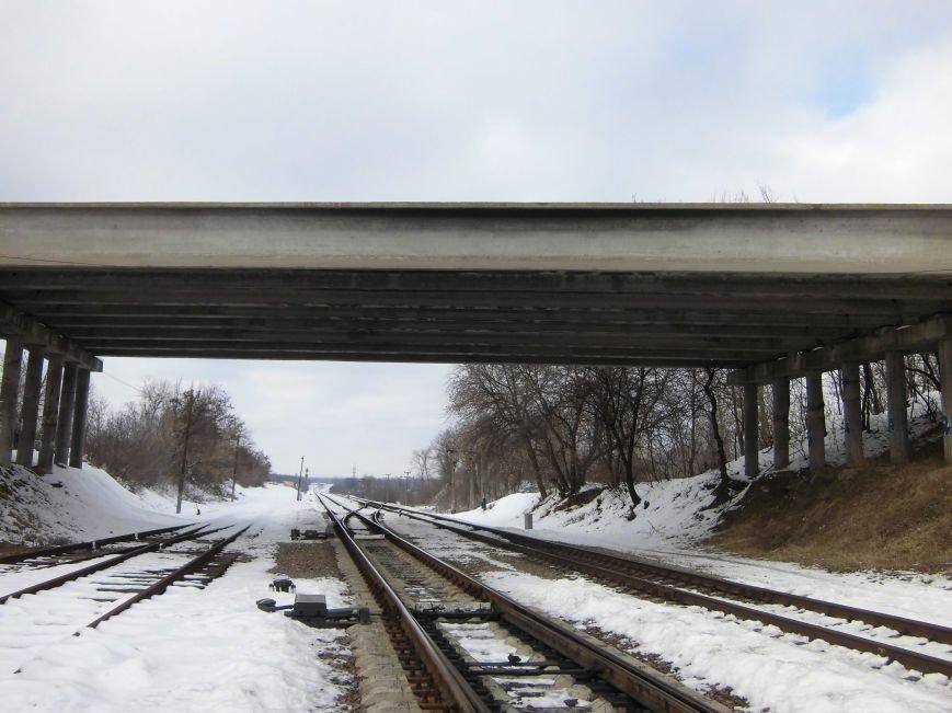 В Сумах на Василевке парень упал с недостроенного моста (ФОТО) (фото) - фото 1