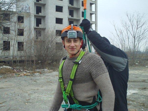 В поиске адреналина: молодежь из Николаева прыгнула с огромного «недостроя» (ФОТО, ВИДЕО) (фото) - фото 2