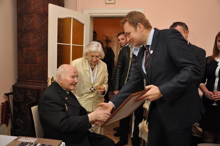 У Львові вручили орден Леопольда II політв'язню та старійшині ОУН (фото) - фото 1