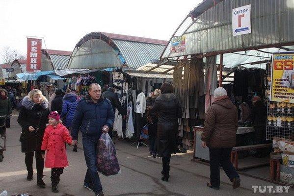 На гродненских рынках предприниматели снижают цены и гадают, что будет в марте (Фото), фото-6