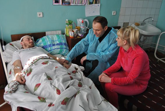 Двоє поранених полтавських правоохоронців знаходяться на лікуванні в Харкові (фото) - фото 1