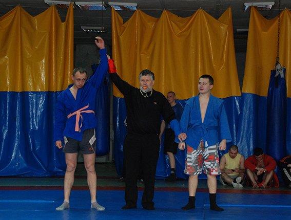 В команда Криворожского ГУ  МВД стала победителем на областном Чемпионате милиции по самбо (ФОТО) (фото) - фото 1