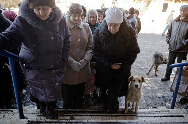 Город добрых сердец: макеевчане собирают гуманитарную помощь для жителей Дебальцево (фото) - фото 6