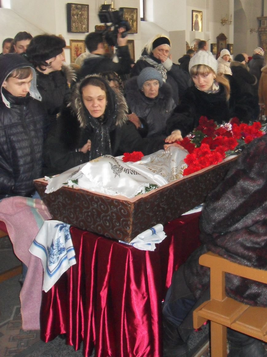Полтава провела в останню путь Олександра Фролова (фото) - фото 2