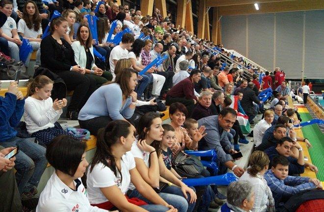 071' Трибуны ватерпольной арены в Кечкемете (Фото. www.waterpolo.hu)