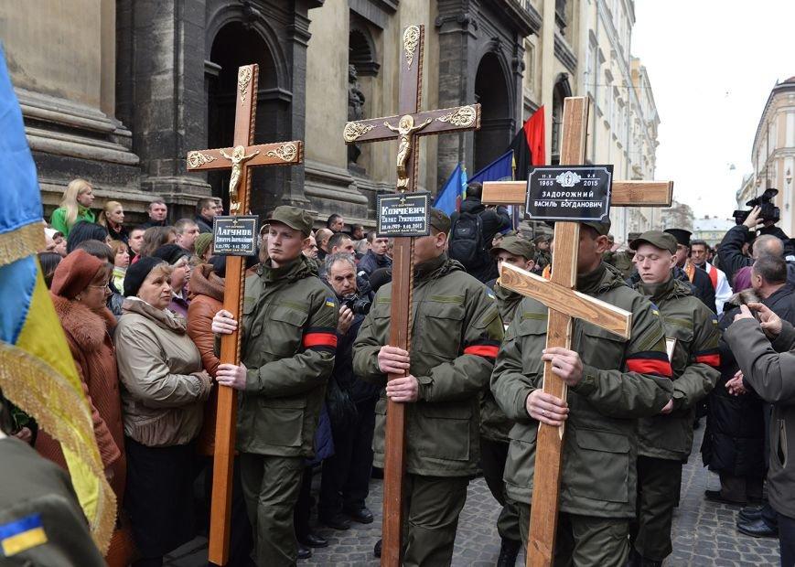 У Львові поховали медиків, які підірвались на фугасі у зоні АТО (ФОТОРЕПОРТАЖ, ВІДЕО), фото-3