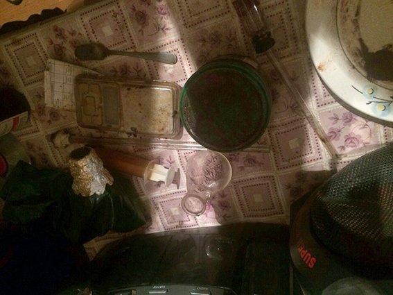 В Днепропетровской области задержали женщину, которая изготавливала метамфетамин на дому (фото) - фото 2