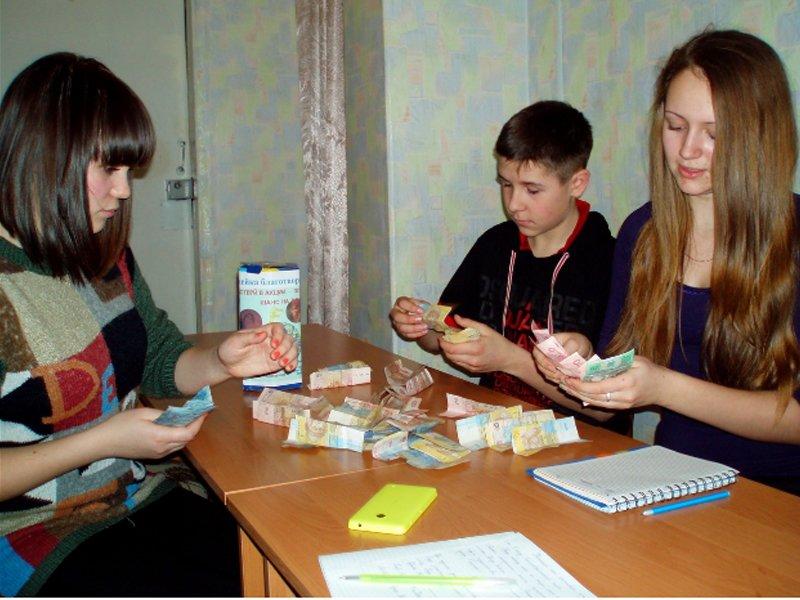 Коллектив «ЦДЮТ» в г.Доброполье поддержал проект «Подари мне жизнь!» (фото) - фото 2
