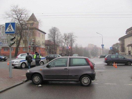 На ул. Горького «Фиат» столкнулся с мопедом: водитель доставлен в больницу (Фото), фото-3