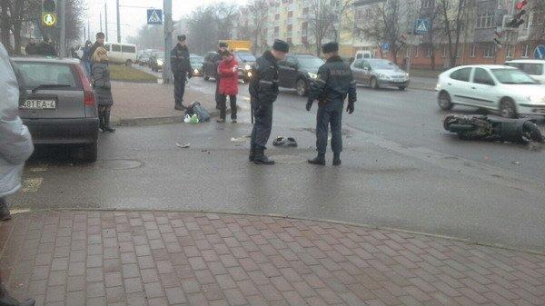 На ул. Горького «Фиат» столкнулся с мопедом: водитель доставлен в больницу (Фото), фото-6