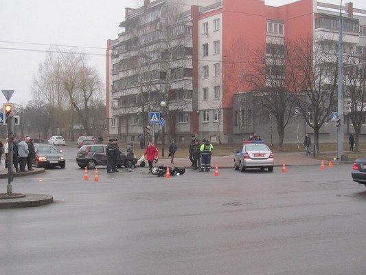 На ул. Горького «Фиат» столкнулся с мопедом: водитель доставлен в больницу (Фото), фото-1