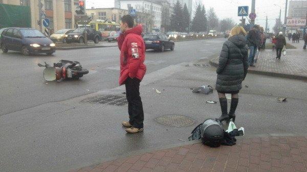 На ул. Горького «Фиат» столкнулся с мопедом: водитель доставлен в больницу (Фото), фото-5