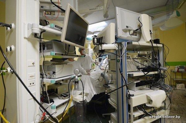 Фоторепортаж: как гродненские хирурги спасают детские жизни в операционной, фото-23