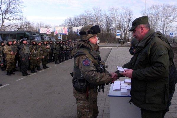 В Мариуполе и.о. командующего Нацгвардией наградил военных (ФОТО), фото-5