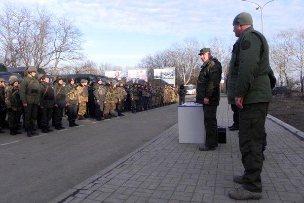 В Мариуполе и.о. командующего Нацгвардией наградил военных (ФОТО), фото-4