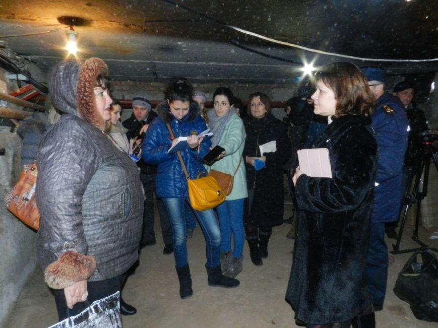 В Херсоне при участии общественности и журналистов проверяли защитные сооружения и укрытия (фото) - фото 1