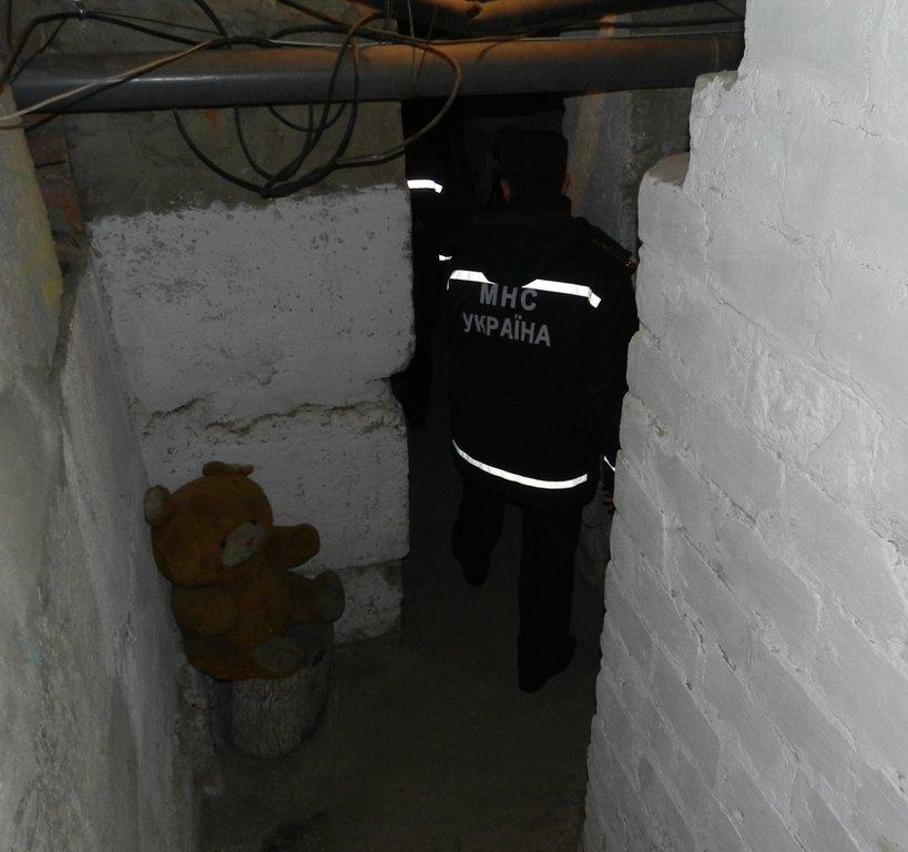 В Херсоне при участии общественности и журналистов проверяли защитные сооружения и укрытия (фото) - фото 5