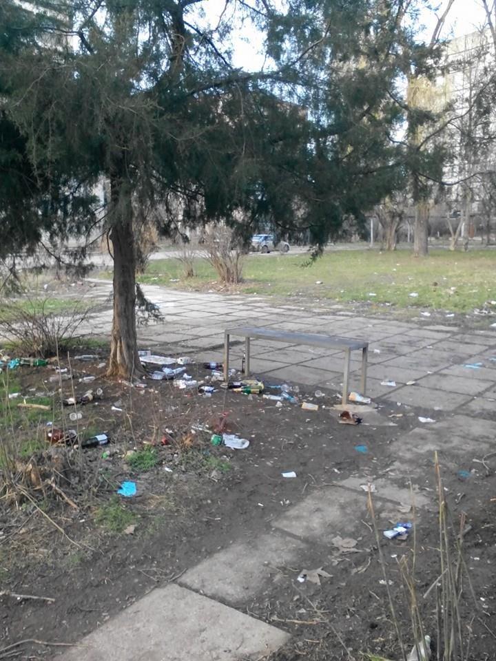 ФОТОФАКТ: Спальные районы и окраины Симферополя утопают в мусоре, фото-6