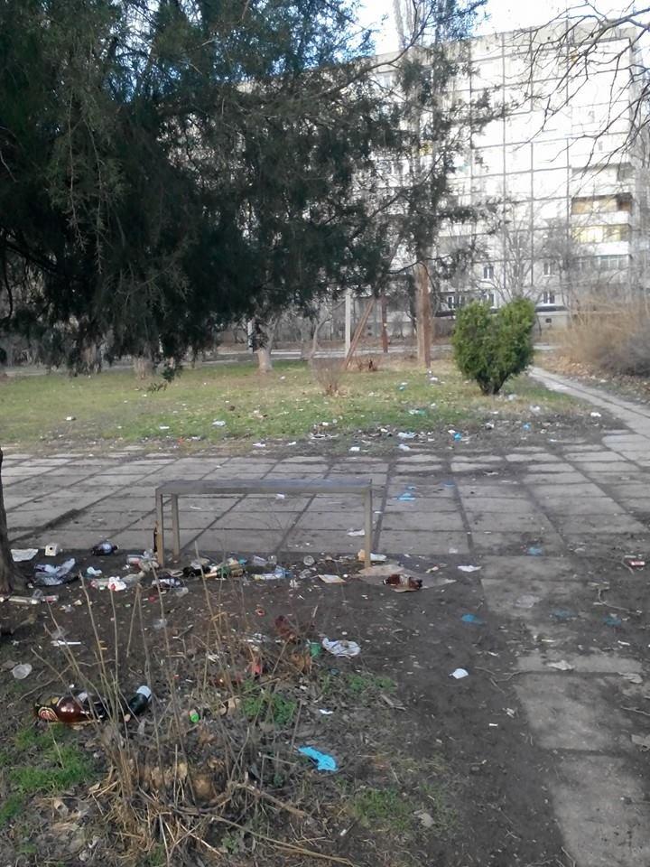 ФОТОФАКТ: Спальные районы и окраины Симферополя утопают в мусоре, фото-3