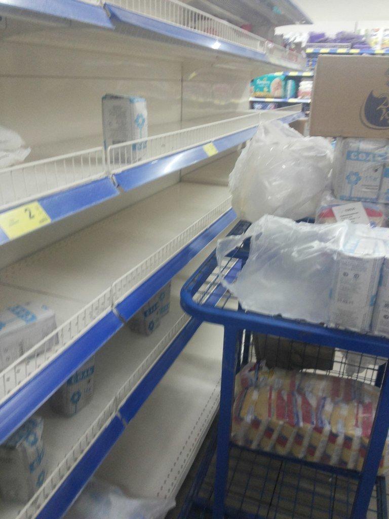 Мариупольцы в панике разобрали весь сахар (ФОТО), фото-1
