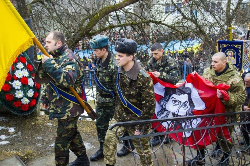 Погибших под Мариуполем в ДТП бойцов похоронили в Киеве (ФОТО), фото-1