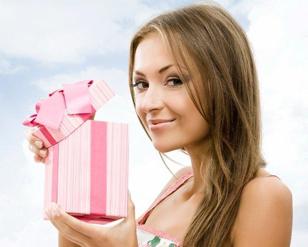Купить подарок девушке на 8 марта – магазин Vipbag