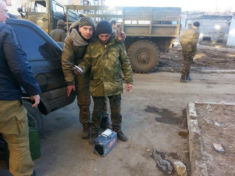 Криворожские волонтеры доставили гуманитарную помощь военным в Авдеевку (фото), фото-2