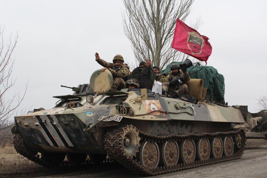 Артилеристи 55 бригади почали відводити свої війська від лінії розмежування (ФОТОРЕПОРТАЖ) (фото) - фото 4
