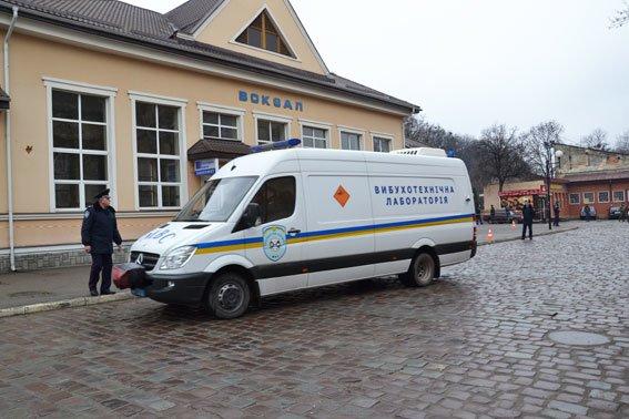 У Львові на залізничній станції шукали вибухівку (ФОТО, ВІДЕО) (фото) - фото 5