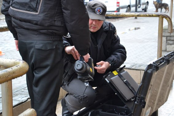 У Львові на залізничній станції шукали вибухівку (ФОТО, ВІДЕО) (фото) - фото 9