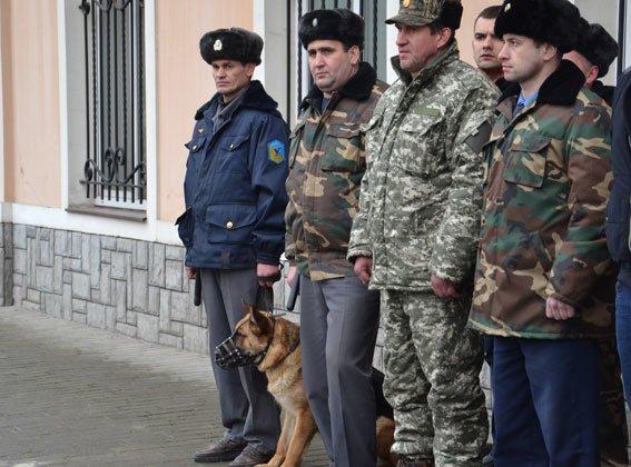 У Львові на залізничній станції шукали вибухівку (ФОТО, ВІДЕО) (фото) - фото 1