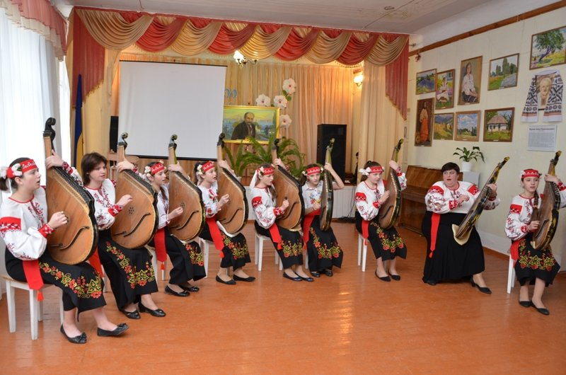 Ексклюзивний альбом презентували на батьківщині Кобзаря (фото) - фото 5