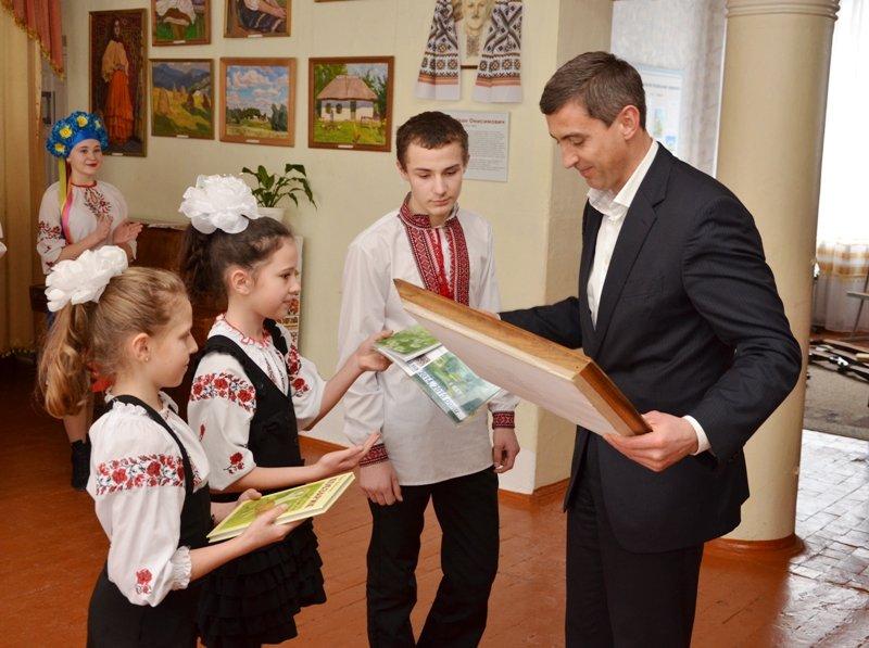 Ексклюзивний альбом презентували на батьківщині Кобзаря (фото) - фото 3