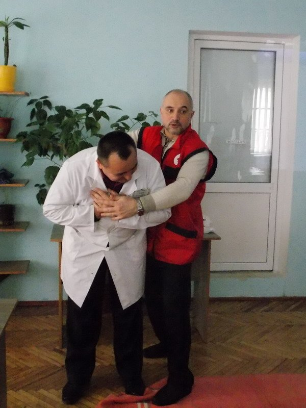 У міській поліклініці №3 тренувалися надавати першу медичну допомогу (AJNJ) (фото) - фото 3