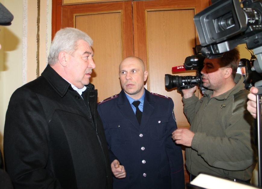 Очередям бой: В Артемовске расширили координационную группу по выдаче пропусков в зону АТО, фото-3