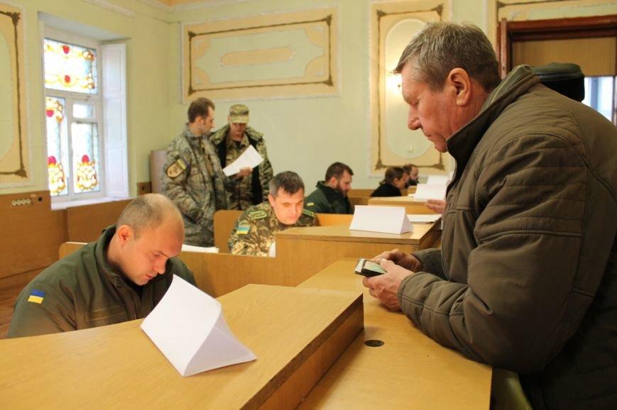 Очередям бой: В Артемовске расширили координационную группу по выдаче пропусков в зону АТО, фото-4
