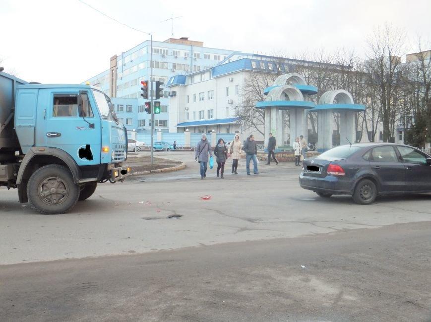 В Кировограде столкнулись грузовик с иномаркой (фото) - фото 1