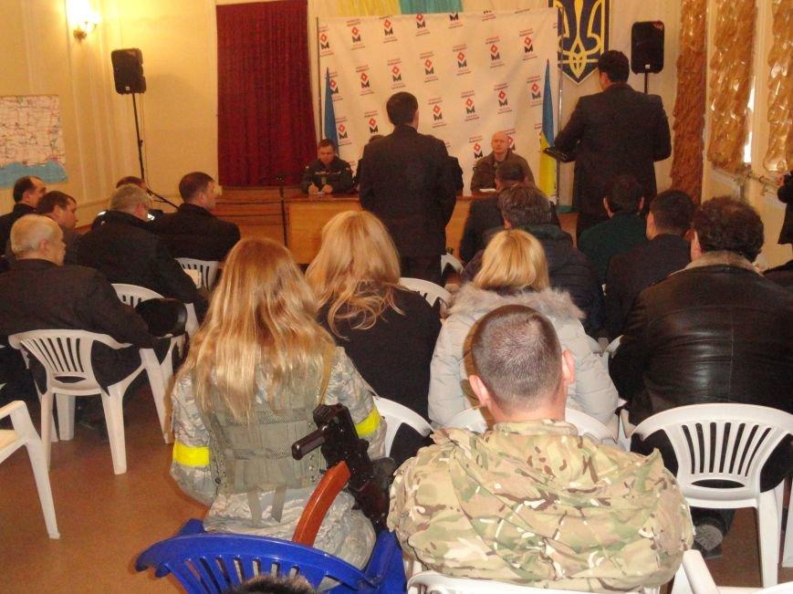 Депутат Тарута раскритиковал систему пропусков для въезда в Мариуполь (ФОТО) (фото) - фото 1