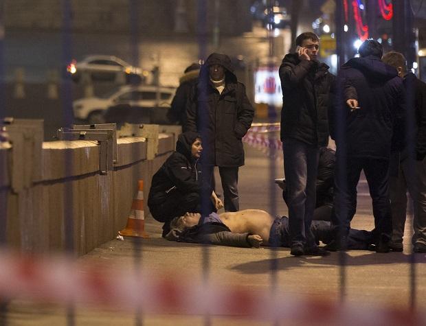 В Москве был убит известный оппозиционер Борис Немцов (ФОТО) (фото) - фото 2