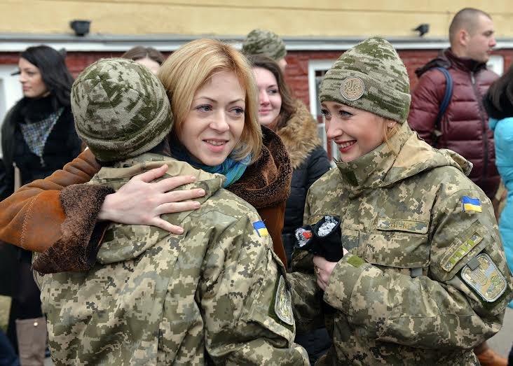 Понад 200 молодих офіцерів поповнили лави Збройних сил України (фото) - фото 1