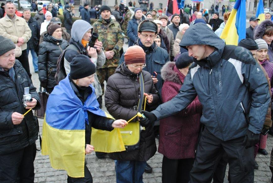 Около памятника Шевченко харьковчане почтили память Бориса Немцова и прошел молебен (ФОТО+ВИДЕО), фото-16