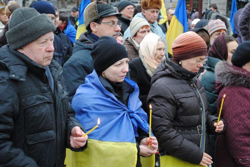 Около памятника Шевченко харьковчане почтили память Бориса Немцова и прошел молебен (ФОТО+ВИДЕО), фото-11