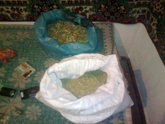 Одесская милиция разоблачила мужчину, который хранил боеприпасы и наркотики (ФОТО) (фото) - фото 1