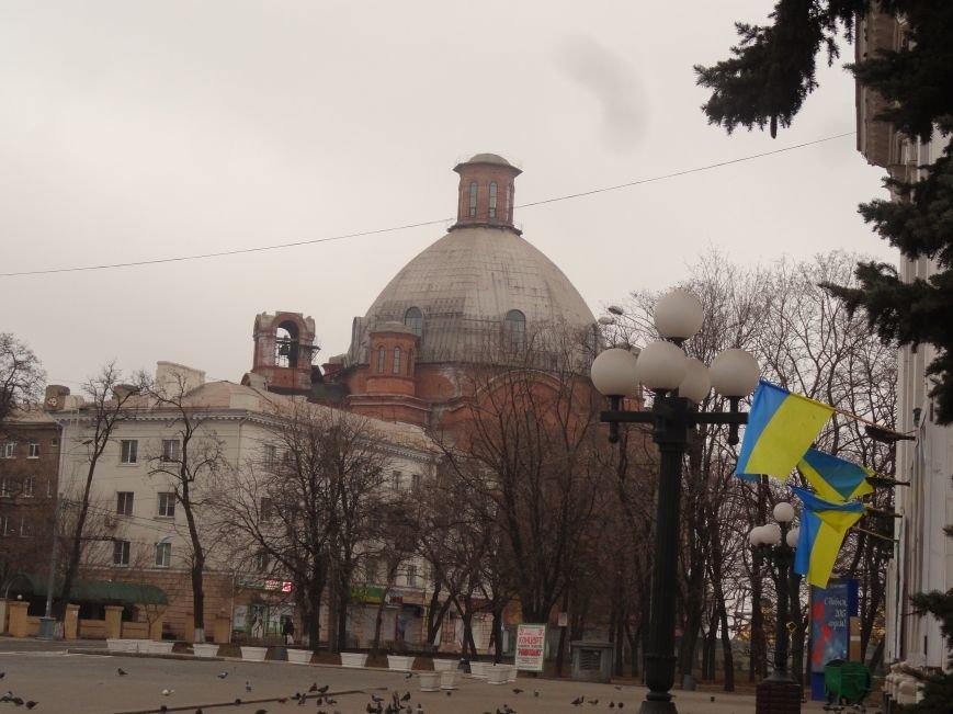Драмтеатр стал самым патриотичным местом в Мариуполе (ФОТОФАКТ) (фото) - фото 1